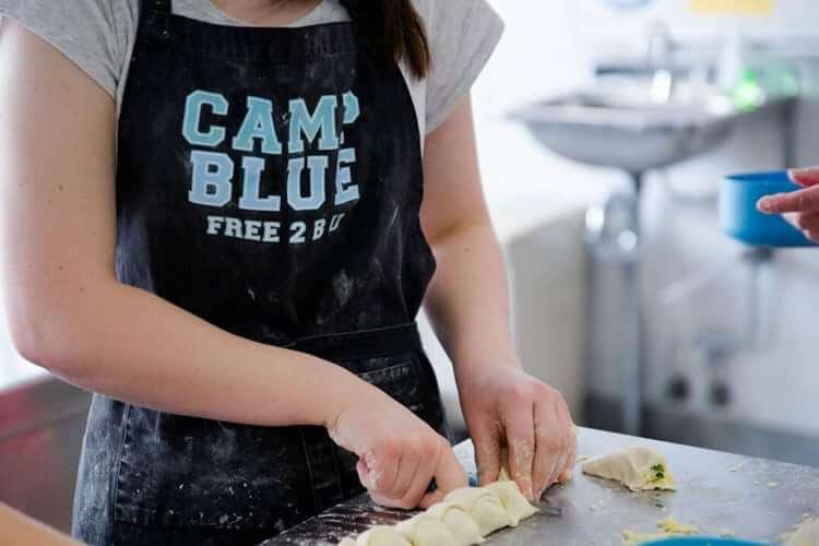 teen-cooking class